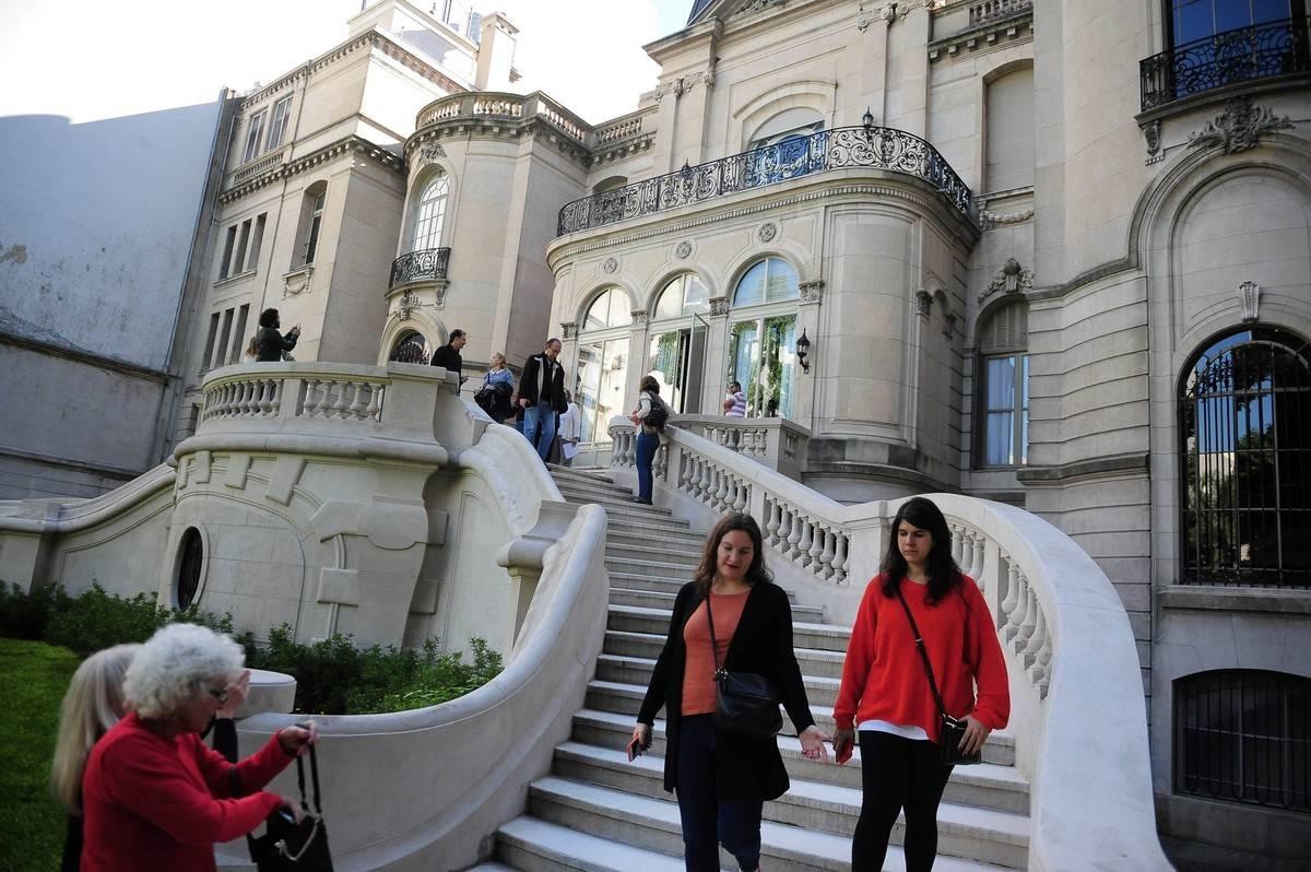 Palacio Pereda. Es sede de la residencia del embajador de Brasil, en Arroyo 1130. Eventualmente abre al público./ Jorge Sánchez