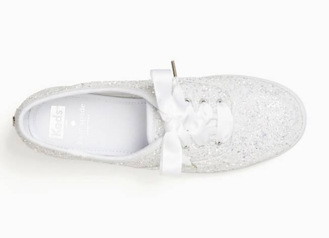 segundo zapato de la novia: zapatillas